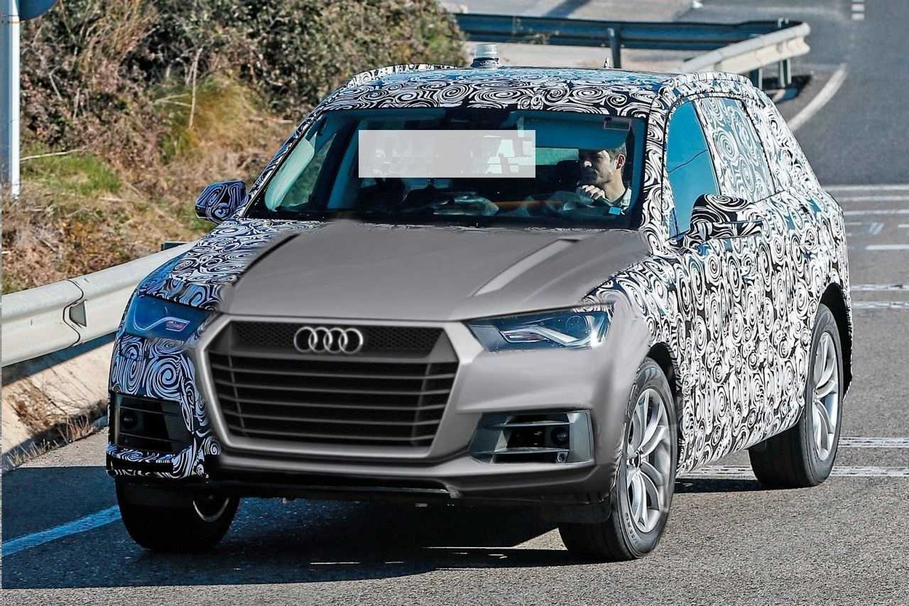 2016 audi q5 spy shots reveal more about the vehicle s design. Black Bedroom Furniture Sets. Home Design Ideas