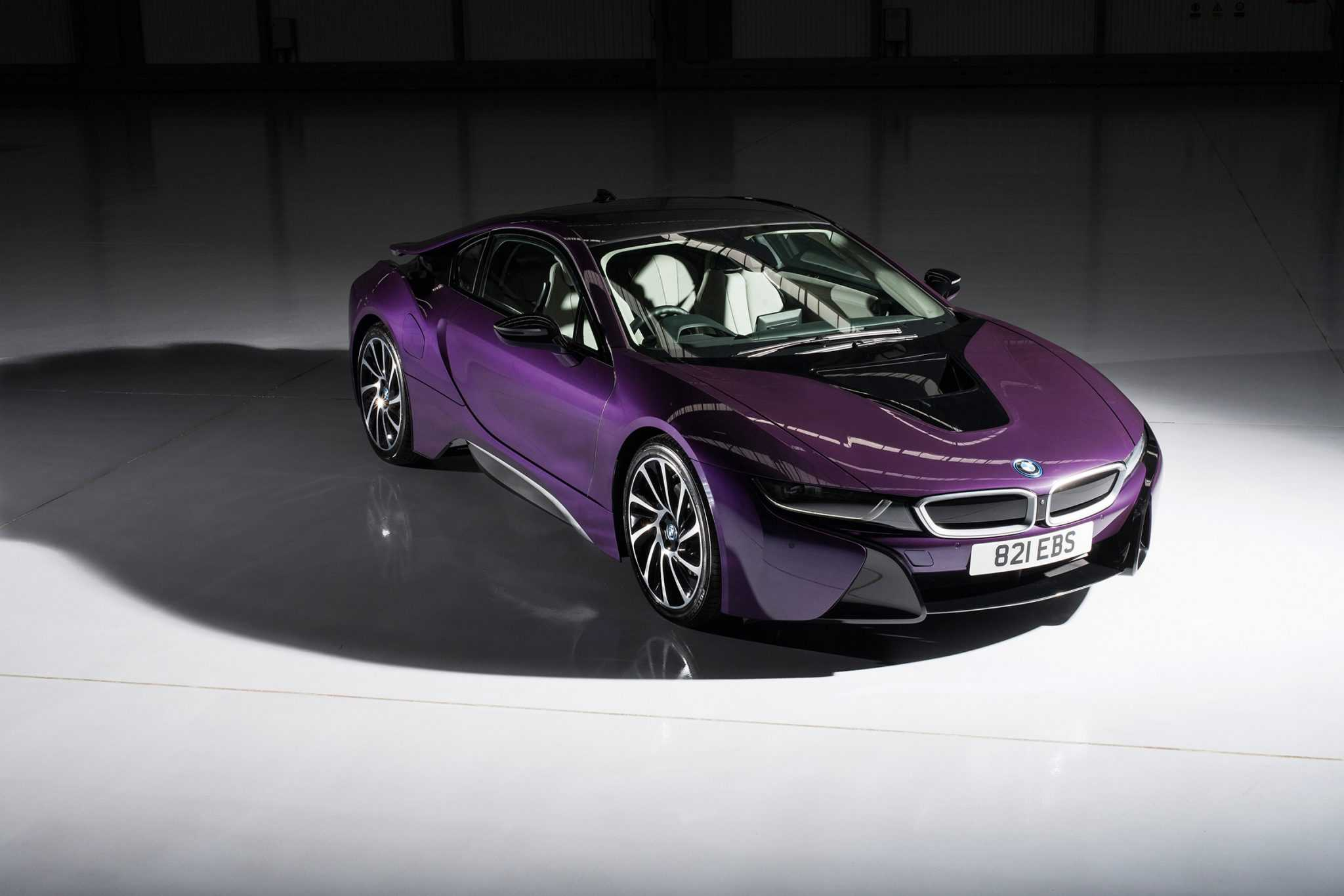 Worksheet. BMW i8 Offers Individual Paintwork Customization Option for Buyers