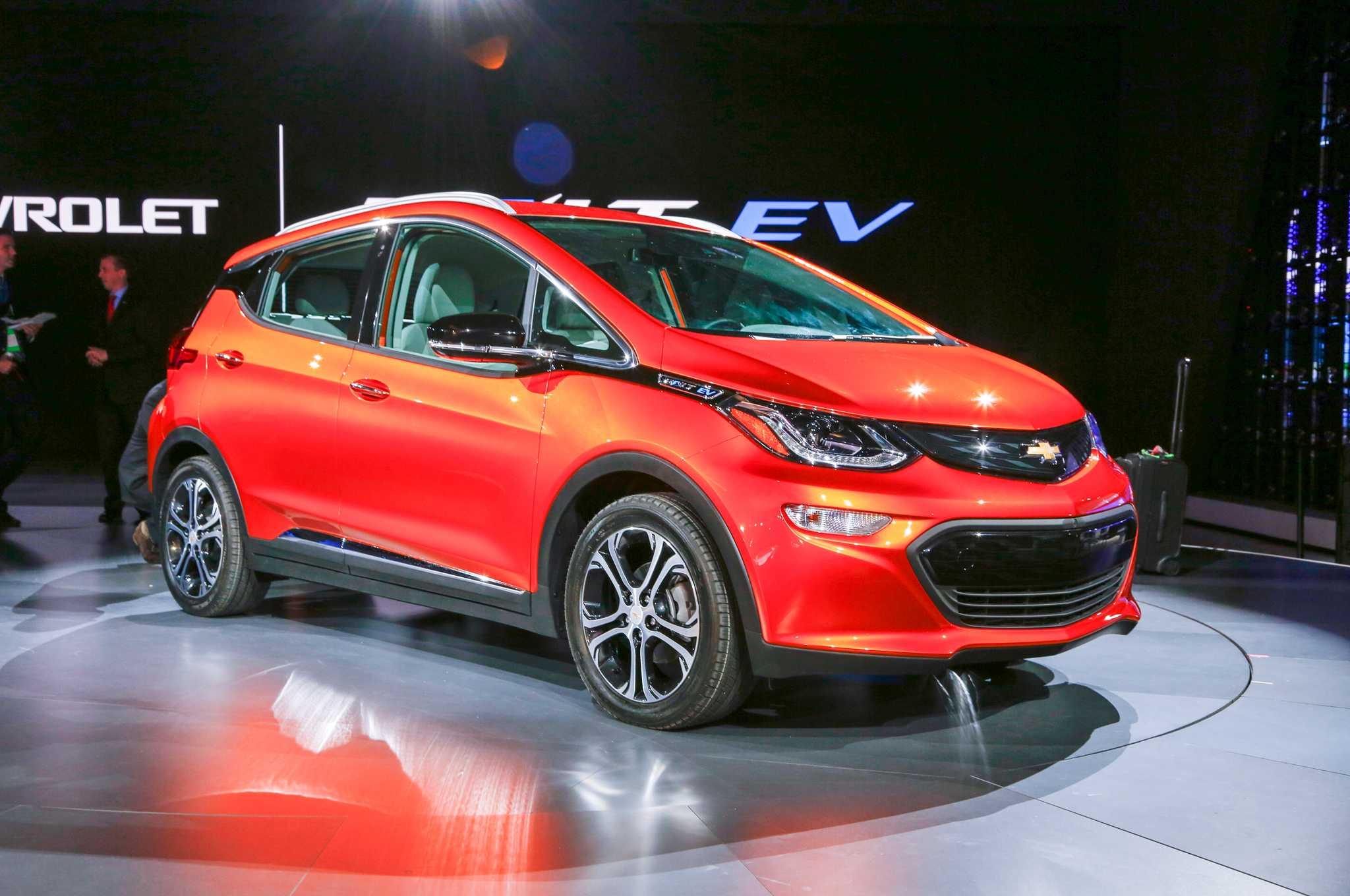 2017 Chevrolet Bolt Ev Set To Offer 238 Miles On Single Charge